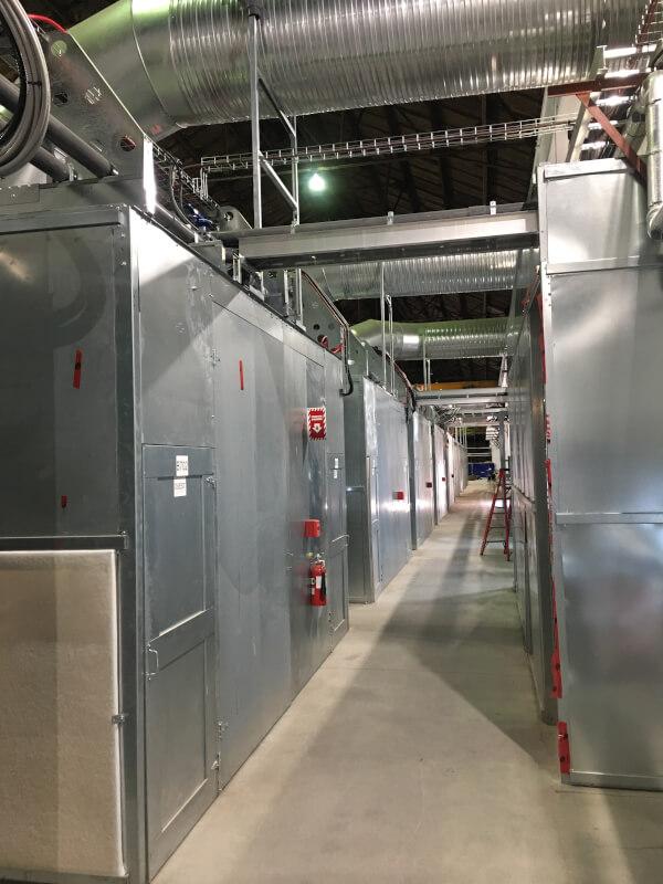 Alignement de conteneurs dans la nouvelle halle