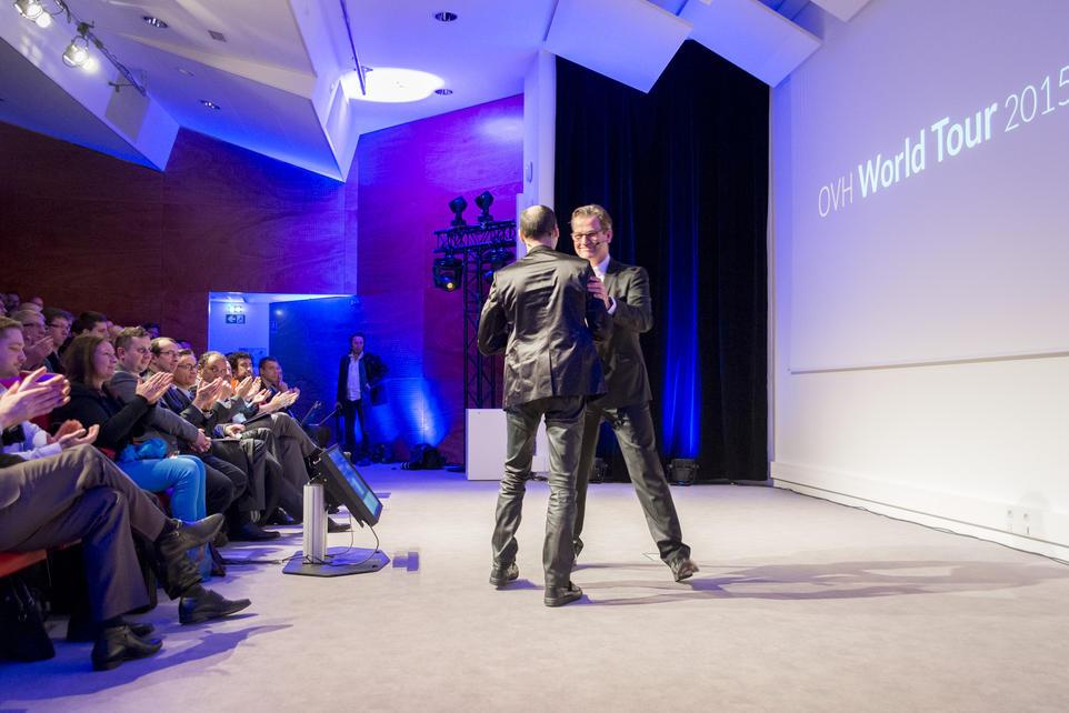 Laurent allard, CEO du groupe OVH et Alexandre Morel, VP sales et marketing se sont succédé sur scène.