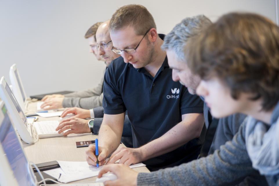 Les labs permettent aux visiteurs de se familiariser avec les produits et services d'OVH.