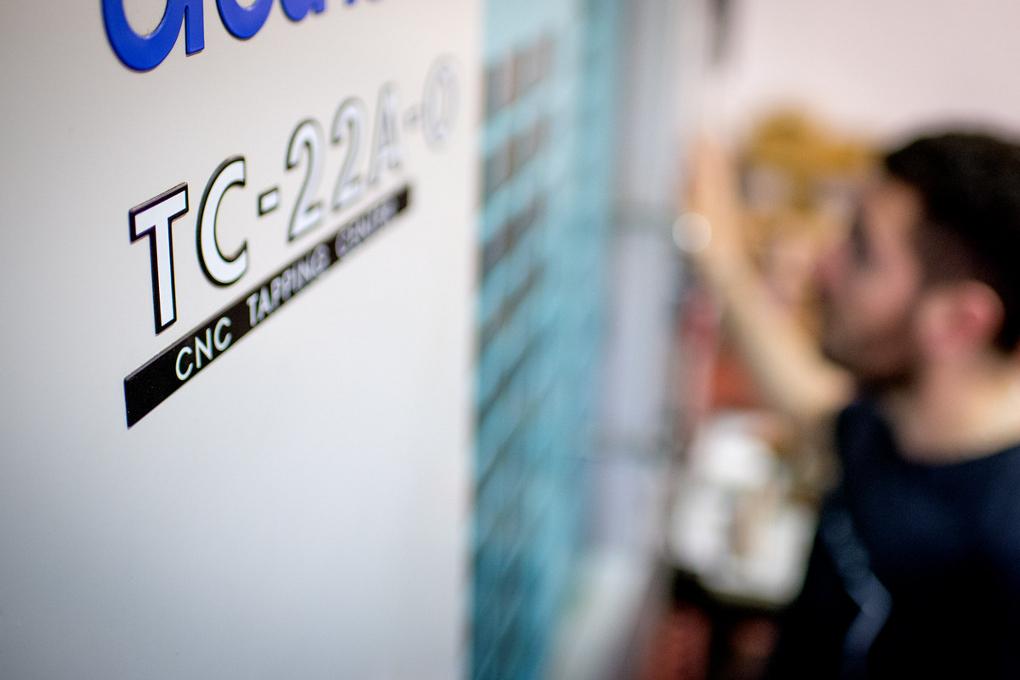 Le CNC travaille les métaux ainsi que le plastique.