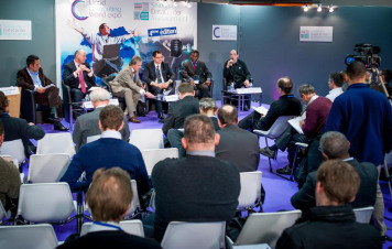 Round table: « Public cloud applications and internal enterprise applications: How can they collaborate/interface robustly? » was popular.
